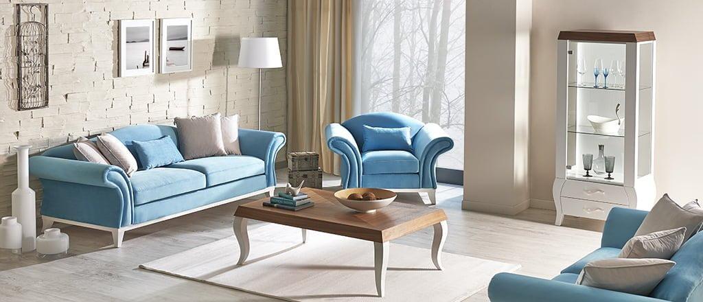 mavi renkli koltuklar