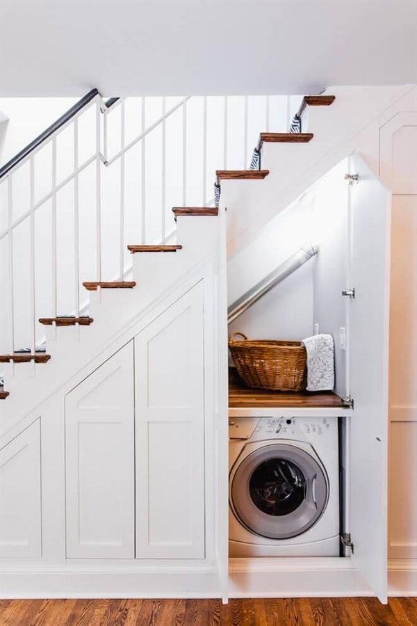 merdiven altı çamaşırlık