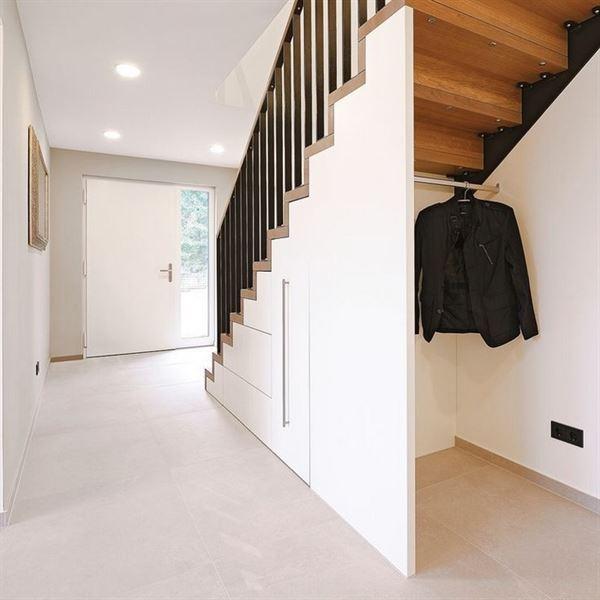 merdiven altı portmanto