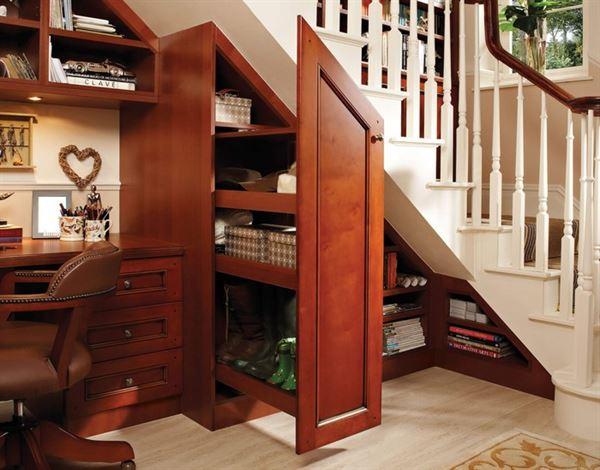 fonksiyonel merdiven altı saklama alanları